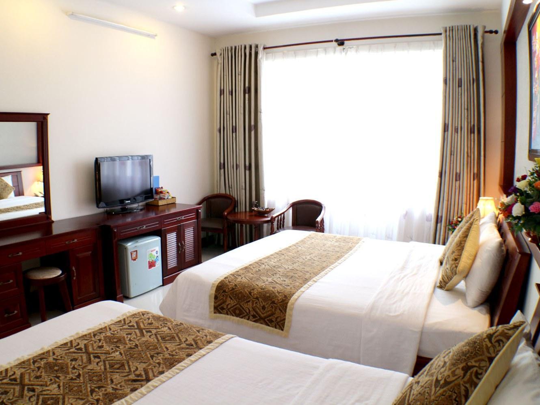 City Hotel - 35 Luu Van Lang St. - Ho Chi Minh City