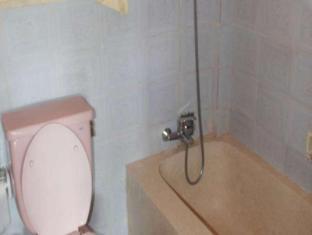 古农梅尔塔平房酒店 巴厘岛 - 卫浴间