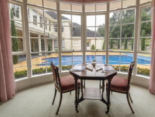 Montfort Manor Bed & Breakfast Gippsland Region - Pool view from Windsor Room