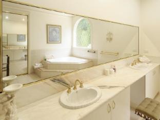 Montfort Manor Bed & Breakfast Gippsland Region - Windsor Bathroom