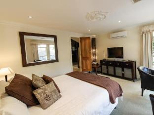Montfort Manor Bed & Breakfast Gippsland Region - Marble bedroom (First Floor)