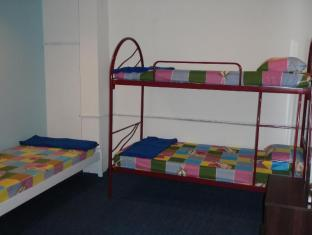 Submarine Guest House - Central Market Kuala Lumpur - Dormitory - Shared Room (Air Cond)