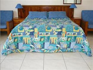 Airlie Court Holiday Units Whitsundays - Queen Bed