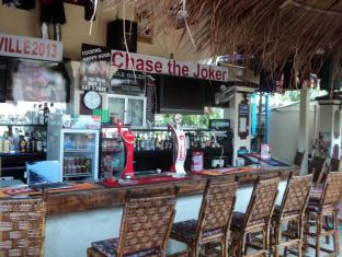 Snooky's Guest House Garden Bar and Restaurant Sihanoukville - Bar