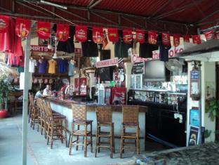 Snooky's Guest House Garden Bar and Restaurant Sihanoukville - Restaurant