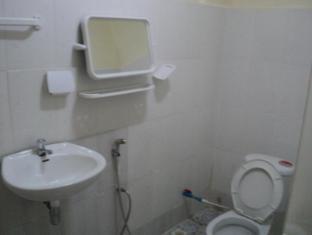 Snooky's Guest House Garden Bar and Restaurant Sihanoukville - Bathroom