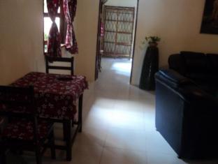 Snooky's Guest House Garden Bar and Restaurant Sihanoukville - Interior