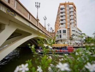WANA Riverside Hotel Malacca / Melaka - Exterior