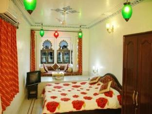 Hotel Thamla Haveli Udaipur - Deluxe Lake Facing