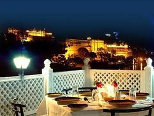 Hotel Thamla Haveli Udaipur - View At Night