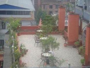 Budget Multiplex Hotel Kathmandu - Balcony/Terrace