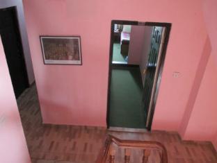 Budget Multiplex Hotel Kathmandu - Corridor