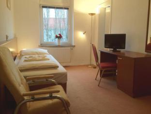 Baerliner Pension Berlin - Cameră de oaspeţi