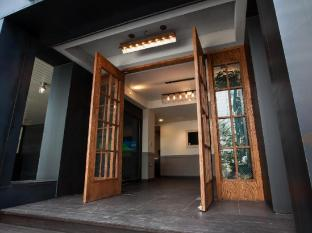 South Korea Hotel Accommodation Cheap | Goodstay Peter Cat Hotel Seoul - Entrance