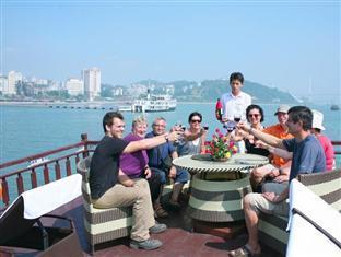 Halong Eclipse Cruise Halong - Pub/ Lounge on Deck