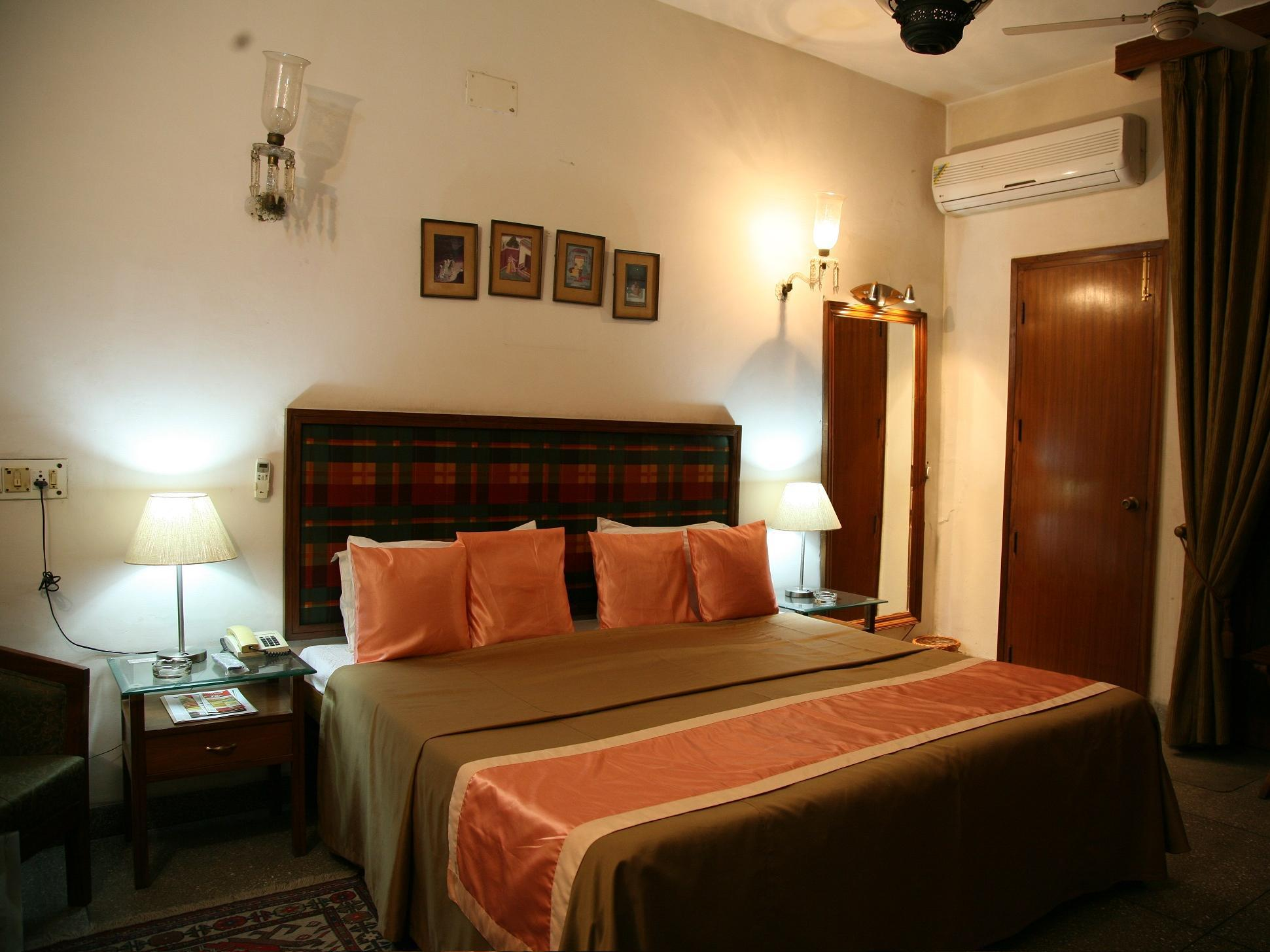 The Royal Residency Hotel New Delhi and NCR - Premium Suite Room