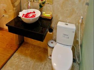 Splendid Star Suite Hotel Hanoi - Bathroom