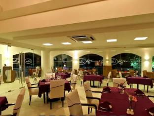 Thunderbird Resorts - Poro Point La Union - Food, drink and entertainment