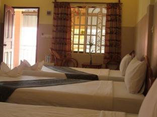 Golden Noura Villa Phnom Penh - Superior Triple Room