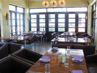 Silver Sands Hideaway Hotel North Goa - Food, drink and entertainment