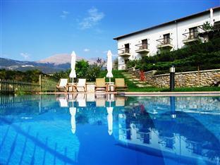Jennifer Home Hotel Drama - Outdoor Pool