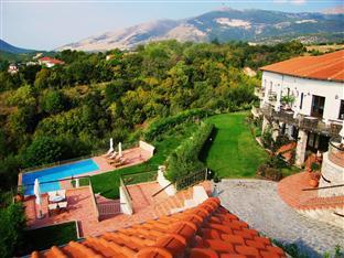 Jennifer Home Hotel Drama - Panoramic view