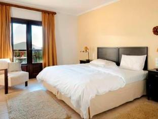 Jennifer Home Hotel Drama - Guest Room