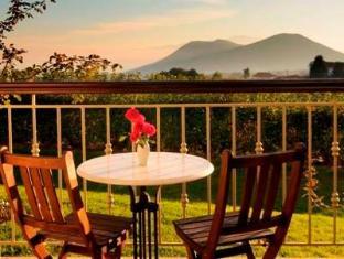 Jennifer Home Hotel Drama - Balcony/Terrace