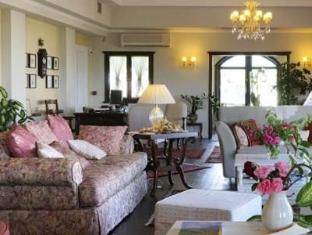 Jennifer Home Hotel Drama - Interior