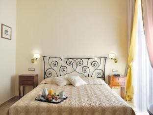 Hotel Le Clarisse al Pantheon Rome - Guest Room