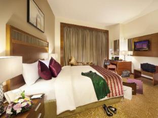 Luxury 4 Stars Deluxe Hotel Landmark Grand Hotel Dubai interior exterior swimming pool suite guest rooms