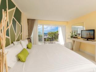 Andaman Embrace Resort & Spa Patong Beach Phuket - Hotellihuone