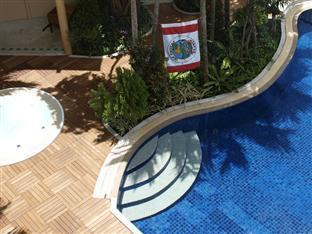 Hilltop Hotel Phuket - Swimmingpool