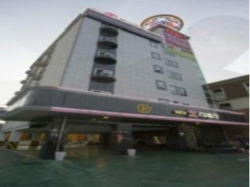 โรงแรม กู้ดสเตย์ นิว ริเวอร่า โมเทล  (Goodstay New Rivera Motel)