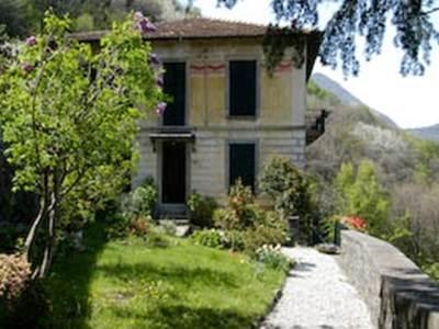 B&B Villa Le Ortensie Faggeto Lario - Hotel Exterior