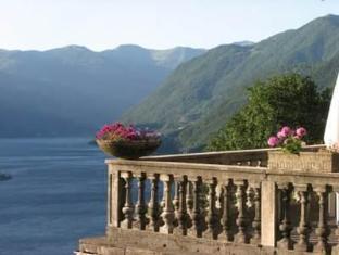 B&B Villa Le Ortensie Faggeto Lario - View