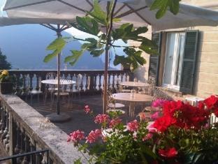 B&B Villa Le Ortensie Faggeto Lario - Terrace