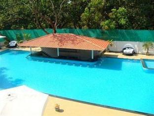 The Royale Assagao Resort North Goa - حمام السباحة