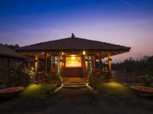 La Cabana Beach and Spa Resort North Goa - Lobby