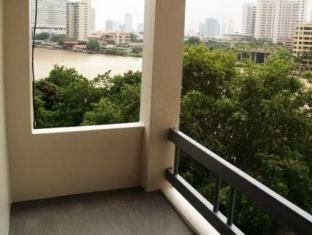 River View Guesthouse Bangkok - From the balcony