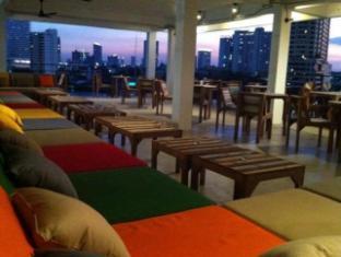River View Guesthouse Bangkok - Newly renovated River Vibe Restaurant & Bar