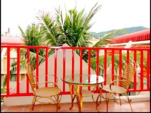 Boomerang Inn Phūketa - Balkons/terase