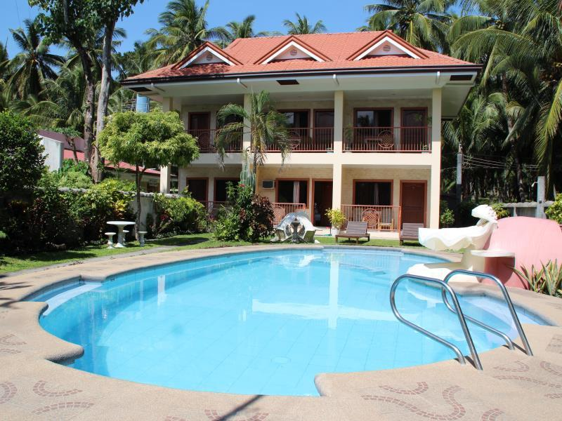 Wellbeach Dive Resort - Hotels and Accommodation in Philippines, Asia