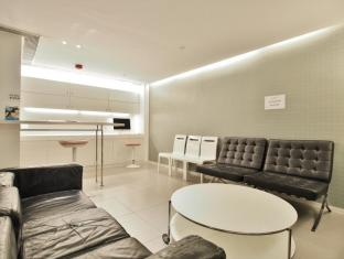 60 West Hotel Hongkong - Hotellet indefra