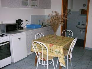Sarga Apartman Hajduszoboszlo - Kitchen