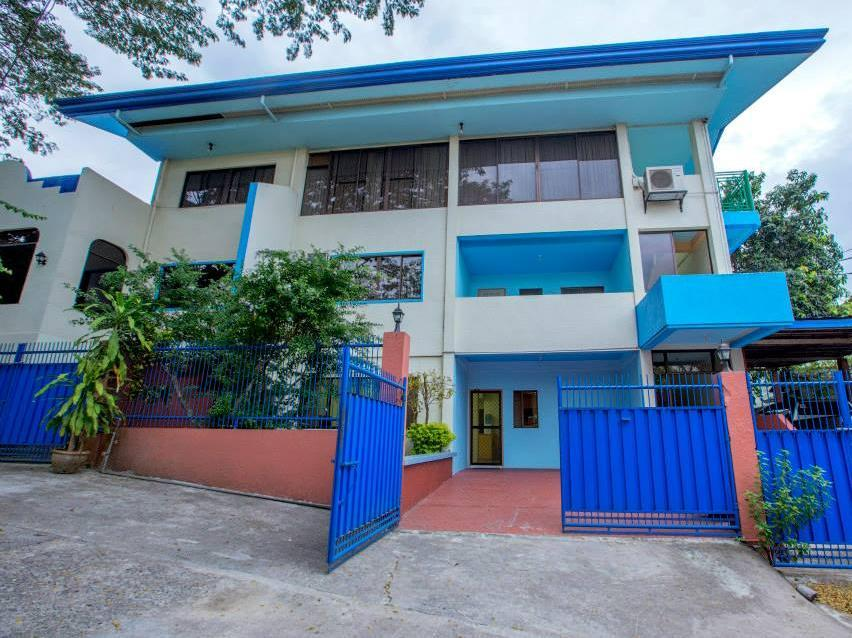 White Mansion - Hotels and Accommodation in Philippines, Asia