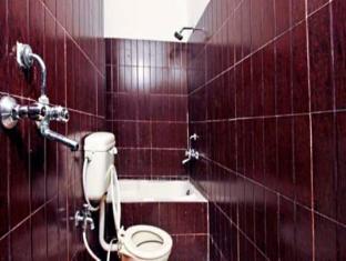 Hotel Host Agra - Bathroom