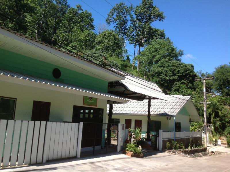Bann Thong Pan Chang Hotel