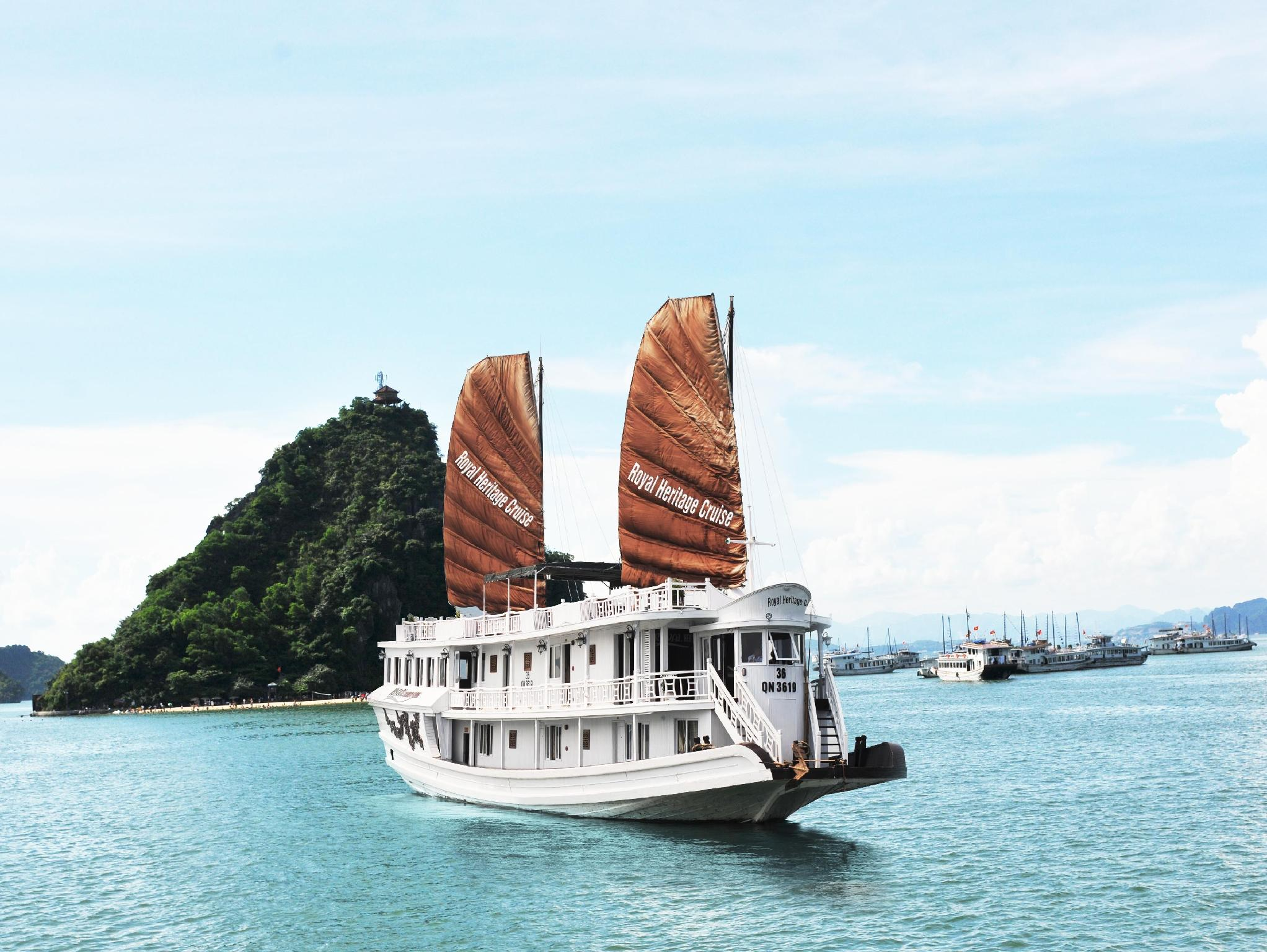 Halong Royal Heritage Cruise - Hotell och Boende i Vietnam , Halong