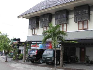 Indonesia Hotel Accommodation Cheap | Permata Guest House Semarang - Exterior